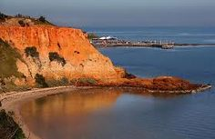 Red Bluff, a truly magnificent cliff by Port Phillip Bay, Australia. Click through for more spectacular pics. Beaches In The World, Places Around The World, Around The Worlds, Places To Travel, Places To See, Places Ive Been, Red Bluff, Half Moon Bay, Most Beautiful Beaches