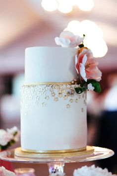 Pretty cake with gold floral details: http://www.stylemepretty.com/canada-weddings/ontario/ottawa/2014/08/14/elegant-ontario-wedding/ | Photography: Joel Bedford - http://www.joelbedfordweddings.ca/