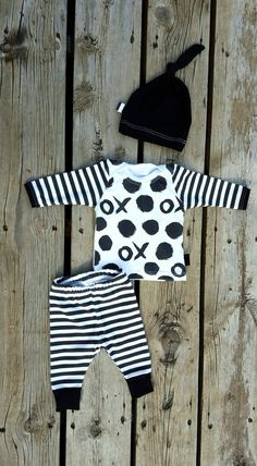 Coming Home Outfit, X's and O's, Organic Knit, Leggings, Shirt, and Matching Knot Hat, Size Newborn by brambleandbough on Etsy