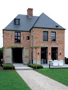 Villa achterhoek met moderne keuken hoge plafonds veel glas en heldere lijnen door het - Eigentijdse design ingang ...