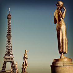 La Tour Eiffel vue de la Place des Droits de l'Homme