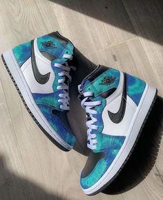 Cute Sneakers, Sneakers Mode, Sneakers Fashion, Best Sneakers, Shoes Sneakers, Nike Fashion, Fashion Men, Jordans Sneakers, Fashion Styles