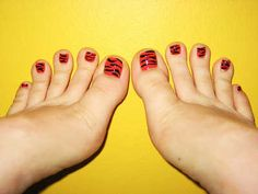 Disenos De Unas Naturales | ... de uñas de los pies, ¡tendencias de verano! | Web de la Belleza Simple Pedicure Designs, Toe Nail Designs, Pedicure Ideas, Fancy Nails, Love Nails, How To Do Nails, Tiger Nails, Leopard Nails, Red Toenails
