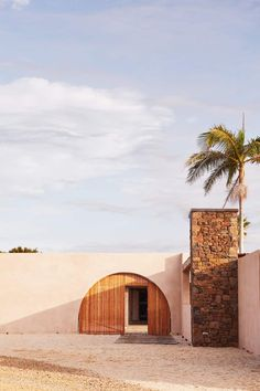 Houses Architecture, Beautiful Architecture, Architecture Design, Le Ranch, Farm Stay, Byron Bay, Australia Travel, Exterior Design, Sustainability