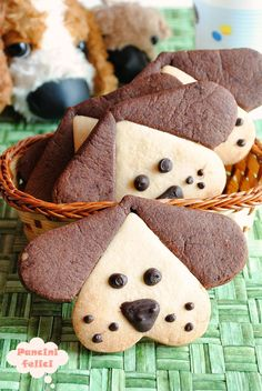 Puppy cookies, put a puppy for breakfast! )) Puppy cookies, put . - Puppy cookies, put a puppy for breakfast! ]] Puppy cookies, put a puppy for breakfast! Cookies For Kids, Cute Cookies, Sugar Cookies, Apple Cookies, Dog Cookies, Almond Cookies, Short Pastry, Cookies Light, Pinwheel Cookies