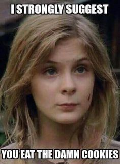 "First Appearance: Days Without An Accident"" ~ Lizzie (Mika's Sister) - The Walking Dead (dead) Walking Dead Funny, Walking Dead Zombies, The Walking Dead 2, Walking Dead Season, Twd Memes, Funny Memes, Talking To The Dead, Dead Inside, Stuff And Thangs"
