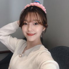 Baek Ji-heon Height, Weight, Age, Body Statistics are here. Her height is m and weight is 51 kg. Read all about Ji-heon's facts and entire biography. Kpop Girl Groups, Korean Girl Groups, Kpop Girls, My Girl, Cool Girl, Grunge Girl, Seolhyun, Cute Korean, Blackpink Jennie