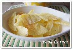 Food Corner: Easy Microwaved Potato Chips just 3 minutes Potato Snacks, Savory Snacks, Potato Chips, Good Healthy Snacks, Yummy Snacks, Snack Recipes, Yummy Food, Microwave Recipes, Microwave Oven