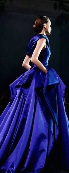 """""""Ralph and Russo"""" ~~Rosario Contreras~~ Nice Dresses, Prom Dresses, Formal Dresses, Azul Real, Ralph And Russo, Color Azul, Blue Fashion, High Fashion, Beautiful Gowns"""