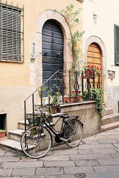 Lucca, Italia - by ileum