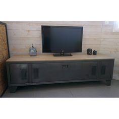 vestiaire transform en meuble tv industriel metal et bois avec des roulettes suivant le choix. Black Bedroom Furniture Sets. Home Design Ideas