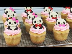 Look at these adorable cupcakes by kawaiisweetworld on youtube!