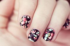 LOVE, I need pretty nails!