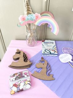 {Celebrate} Un anniversaire licorne DIY! Diy For Kids, Celebrities, Cake, Party, Desserts, Printable, Tailgate Desserts, Celebs, Deserts