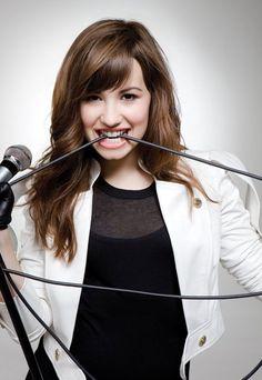 Neste livro vou postar varias fotos da Demi Lovato, para as suas fans… #diversos # Diversos # amreading # books # wattpad