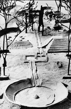 Isamo Noguchi/Louis I. Kahn: Adele Levy Memorial Playground (several proposals – unbuilt), New York City's Riverside Park, 1960-1966.