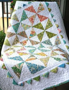 Pinwheel and Prairie Point Baby Quilt | REPINNED
