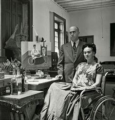 Frida Kahlo et Diego Rivera : les amants en fusion - Dandy Magazine Diego Rivera Frida Kahlo, Frida And Diego, Rare Images, Rare Photos, French Photographers, Portrait Photographers, Powerful Pictures, Digital Museum, Les Religions