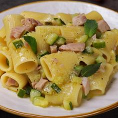 "This is ""Pasta con zucchine, limone, menta e tonno fresco"" by Al.ta Cucina on Vimeo, the home for high quality videos and the people who love them. Cold Lunch Recipes, Vegetarian Recipes, Healthy Recipes, Casserole Recipes, Pasta Recipes, Cooking Recipes, Good Food, Yummy Food, Weird Food"