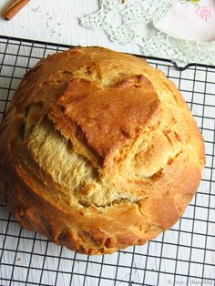 Coconut and Vanilla: Easter folklore - Yellow Cake No Salt Recipes, Sweet Recipes, Cake Recipes, Dessert Recipes, Food Cakes, My Favorite Food, Favorite Recipes, Portuguese Recipes, Portuguese Food