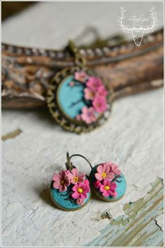Polymer clay flower pendant and earrings