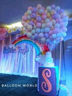 Hot air balloon Cake stand set up Theme Ideas, Party Themes, Hot Air Balloon Cake, Balloons, Rainbow, Clouds, Rain Bow, Globes, Rainbows