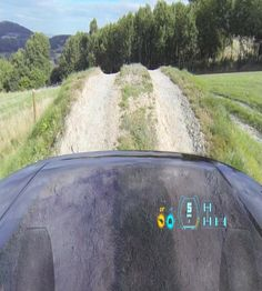 The new Land Rover Discovery will use augmented reality to reveal a transparent bonnet to make off-roading easier for drivers. Land Rovers, New Land Rover Discovery, The Gentlemans Journal, Auto Motor Sport, Used Cameras, Jaguar Land Rover, Visualisation, New York, Head Up Display