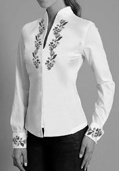 Discover thousands of images about Shirts for sewing class - Womens shirts with collars White Shirts Women, Blouses For Women, Blouse Styles, Blouse Designs, Chemises Country, Lace Jacket, Western Outfits, Fashion Dresses, Womens Fashion