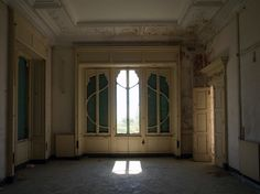 Villa Zanelli in Savona. www.italianways.com/villa-zanelli-in-savona-and-the-poetry-of-abandonment/
