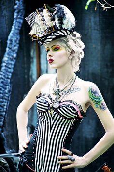 28 Pin-Ups burlesques de la photographe WinterWolf aka The Girl Tripped