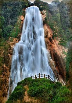 Водопад Эль Чифлон. Мексика
