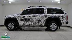 VW Amarok – Satin Pearl White Matt Digital Camouflage – Mat Saten Dijital Kamuflaj – FolioPlus Profesyonel Araç Kaplama Merkezi