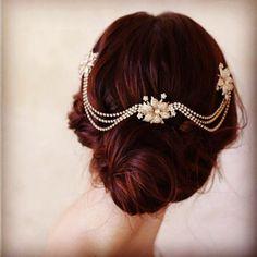 RG @wedminau via http://j.mp/1IvVOiO Gorgeous vintage bridal hair inspo (regram @chicvintagebrides) #wedmin