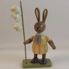 KWO Erzgebirge Easter Bunny With Flowers Hand Made Wood Germany
