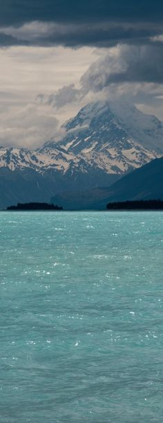 Lake Pukaki, South Island, New Zealand- look at those mountains! Places Around The World, Oh The Places You'll Go, Places To Travel, Places To Visit, Around The Worlds, Beautiful World, Beautiful Places, Islas Cook, Image Nature