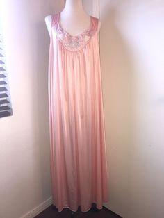 f2fc286bee4 VTG Plus Size Vanity Fair Nylon Long Nightgown XXL 2X Made In USA
