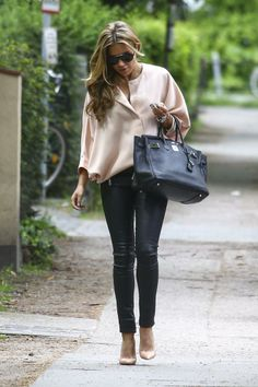 Classic and chic - nude and black