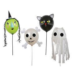 Set de 4 globos con decoraciones, para personalizar con personajes de Halloween. Permite elaborar globos con la cara de una bruja, una calavera, un gato y un fantasma. El set incluye:  4 globos: 2 blancos, verde y negro. 4 palos cortos para sujetar los globos. Pegatinas y piezas adhesivas decorativas.   Viene presentado en práctica caja de cartón de almacenamiento con asa para transportar.