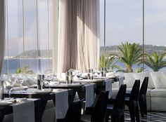 Exclusivity, superb atmospherics, special service, show cooking and authentic Mediterranean flavors, boil down to three words: Alazonia Suites Restaurant!