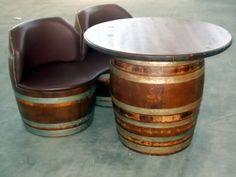 1751 - Divanetto da 2 barrique imbottite con seduta unica e tavolino coordinato - Briganti srl - Tel.0547 310171