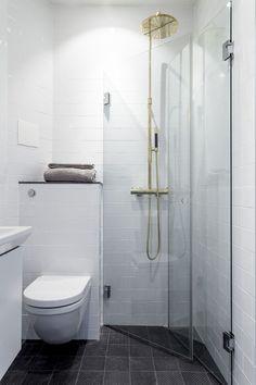 Tiny bathrooms 441141725998850268 - Small bathroom remodel ideas tiny spaces 36 Source by valiapetkova