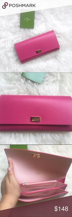 Kate spade wallet clutch ♠️ New Kate spade wallet clutch. Super cute two toned wallet. Seriously this leather feels really nice. New with tags. No trades and no PayPal. kate spade Bags Wallets