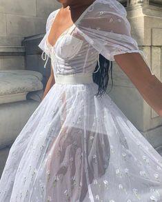 Pretty Outfits, Pretty Dresses, Beautiful Dresses, Ball Dresses, Ball Gowns, Prom Dresses, Look Girl, Mode Blog, Fairytale Dress