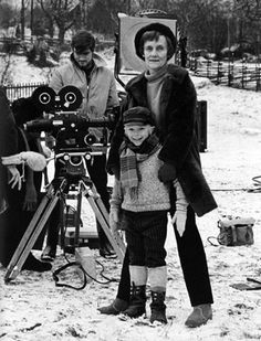This is Astrid Lindgren with the young actor who played Emil in the films. Pippi Longstocking, Carl Larsson, Alesso, Book Writer, Photo Black, Black And White Pictures, Popular Culture, Childhood Memories, Childrens Books