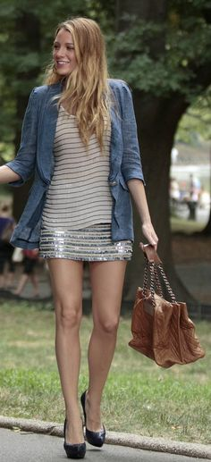 Nobody watched Gossip Girl for the acting they watched it for the fashion. Blake Lively was spectacular as Serena Van Der Woodsen Gossip Girls, Mode Gossip Girl, Gossip Girl Serena, Gossip Girl Outfits, Gossip Girl Fashion, Gossip Girl Style, Star Fashion, Look Fashion, Fashion Photo
