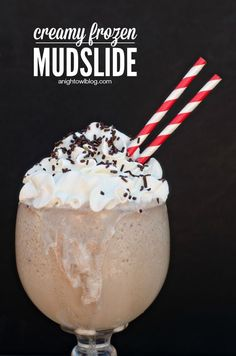 Make this delicious and creamy Frozen Mudslide in just minutes, with or without alcohol!