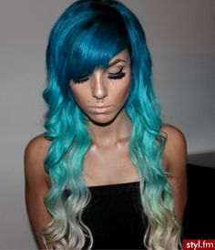 Love this, but I don't think that I could do that to my hair