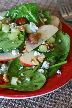 Oregon Transplant: Apple Walnut Salad with Poppy Seed Dressing Diet Salad Recipes, Salad Dressing Recipes, Healthy Recipes, Yummy Recipes, Healthy Food, Ham Salad, Caprese Salad, Apple Walnut Salad, Blue Cheese Salad