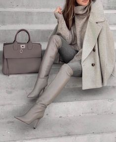 Winter Fashion Outfits, Look Fashion, Autumn Winter Fashion, Winter Outfits, Womens Fashion, Fashion Boots, Fall Fashion, Fashion Tips, Classy Outfits