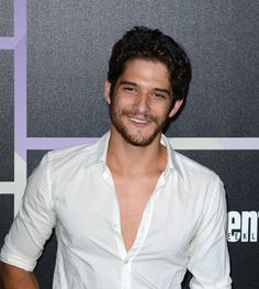 Pin for Later: 28 Reasons Comic-Con Is Basically a Hot Guy Parade Tyler Posey The Teen Wolf star had to know we'd be thankful part of his shirt was unbuttoned. Tyler Posey Teen Wolf, Teen Wolf Scott, Teen Wolf Boys, Without A Trace, Scott Mccall, Smallville, Mtv, Santa Monica, Tyler Garcia Posey